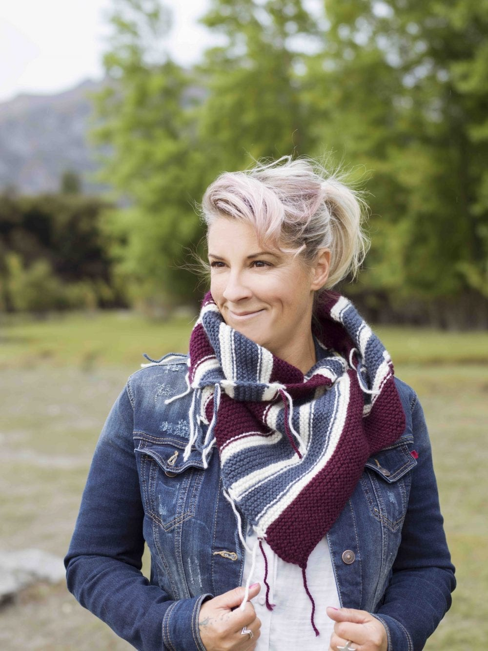 Scraggle scarf free knitting pattern for beginners